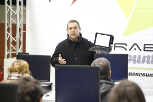 Venan en el taller de iPad como herramienta de productividad profesional en #AE01